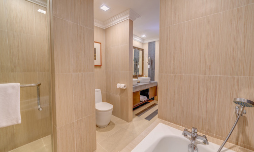Ocean Front Suite Bathroom